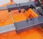 Anbaukehrmaschine mit Gabelzinkenaufnahme
