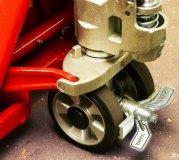 Optional: Wiegehubwagen mit Feststellbremse